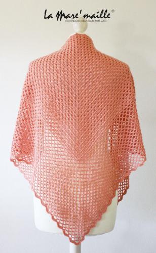 Châle chèche XL en laine rose saumon au crochet fait main