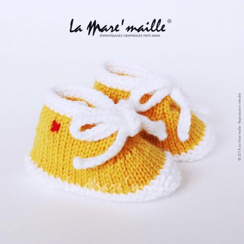 Chaussons bébé laine style basket jaune et blanc avec lacets en maille