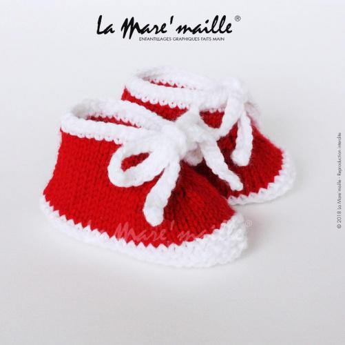 Chaussons bébé laine style basket rouge et blanc avec lacets en maille