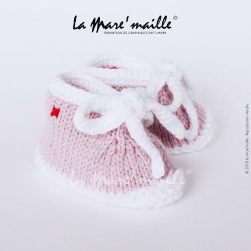 Chaussons bébé laine style basket rose et blanc avec lacets en maille