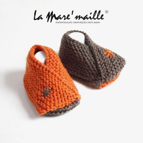 Chaussons bébé maille laine orange et taupe