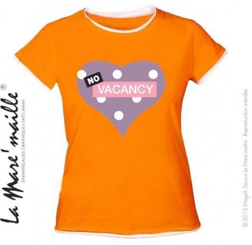 Tee-shirt femme orange motif coeur No vacancy (Complet) soldé
