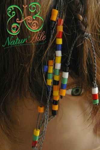 Natte Maïta perles multicolor et fils gris